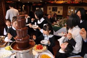 チョコレートファウンテンは、見事な演出が出来ますね