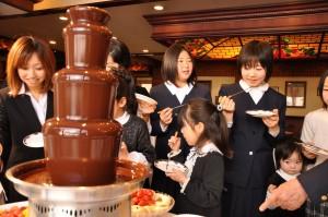 チョコレートファウンテンでパーティーを豪華に演出