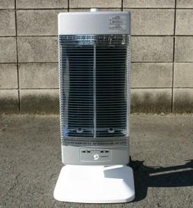 季節の変わり目に、場所をとらない遠赤外線電気ストーブはあると便利です