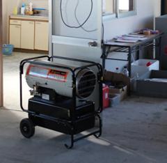 建築現場の内装・塗装の乾燥にも役立つジェットヒーター!