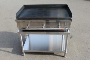 鉄板焼き機は、イベント会場に直接届けることも出来ます!